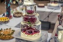 to się nazywa tort weselny. wspaniałe!