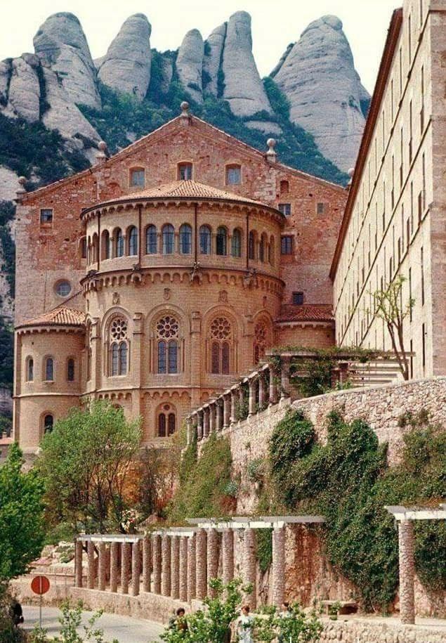 Mânăstirea Montserrat, Barcelona, Spania.