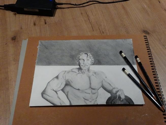 Arnold Schwarzenegger rysowany ołówkiem.