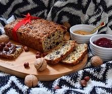 Chlebek pelnoziarnisty bez mąki na słodko, w świątecznym klimacie