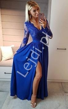 Chabrowa długa wieczorowa sukienka z rozcięciem seksownie ukazującym nogę. Su...