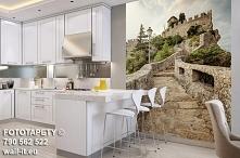 Autorska fototapeta schody z latarnią w białej kuchni. W wersji winylowej na ...