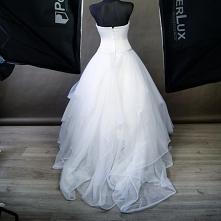 Jak wam się podoba tył sukn...