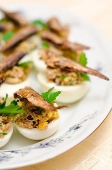 Jaja faszerowane szprotkami