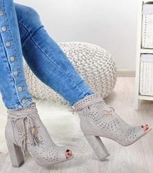 Sandały na słupku- wiosna zbliża się wielkimi krokami :)