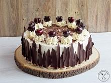 Tort czekoladowy z wiśniami...
