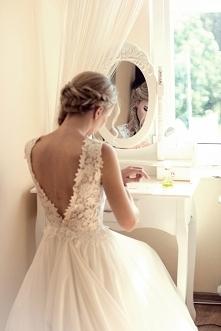 sprzedam moja sliczna wymarzona suknie! wiecej na priv e-mail kinga23132 wp.pl