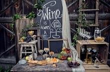 kącik z winem