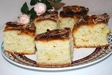 Ciasto drożdżowe maślane z migdałami