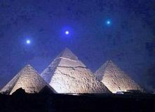 Mercury,Wenus I Saturn nad piramidami w Gizie, dzieje się to co 2737 lat.
