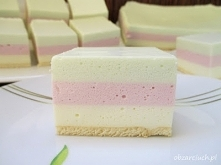 """Ptasie mleczko   """" Delikatne, lekkie i nie za słodkie ciasto na bazie kremówki i galaretek""""  Wymiary formy: 24x28 cm  Składniki:      1 galaretka cytrynowa     1 galar..."""
