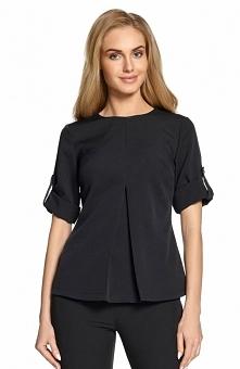 Style S097 bluzka czarna Prosta bluzka damska wykonana z przyjemnego materiału, przód ozdobiony kontrafałdą, bluzka posiada podpięte rękawy co nadaje charakteru