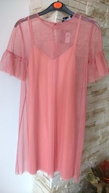 Sprzedam dwuczęściową sukienkę rozmiar XS/S, nienoszona jeszcze z metką Cena ...
