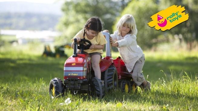Rolly Toys – ta dobrze znana marka zabawkowych ciągników i akcesoriów rolniczych, jest własnością rodziny Franz Schneider w Neustadt koło Coburga w Niemczech. Firma specjalizuje się w zabawkach rolniczych, a ich produkcja rozpoczęła się w 1938 roku.