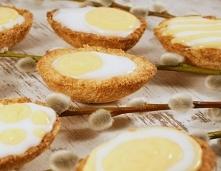Idealnie kruche ciasteczka z intensywnym w smaku domowym kremem cytrynowym.