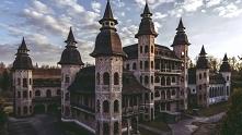 Niedokończony Zamek w Łapalicach (woj. pomorskie)- to obiekt o niezwykłej his...