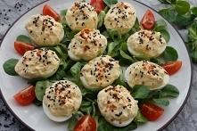 Jajka faszerowane serkiem ziołowym