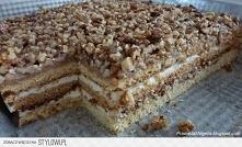 Ciasto królewskie  Ciasto • 50 dag mąki • 2 jajka + 1 żółtko • 5 łyżek miodu ...