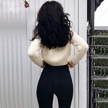 Stylizacja z czarnymi spodniami high waist