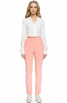 Style S070 spodnie łososiowe Ponadczasowe spodnie z wysokim stanem, dostępne w kilku modnych wersjach kolorystycznych, proste nogawki