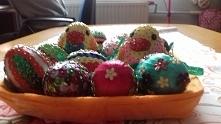 kurczaki w jajkach