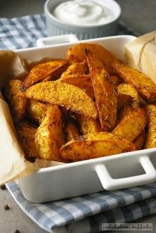 Pieczone ziemniaki z ziołami.