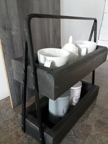 Ręcznie wykonana drewniana piętrowa pólka (stojak) sprawdza się zarówno w kuchni jak i w łazience.(stojak można zakupić)