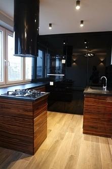 Czarna kuchnia.. Wygląda zachwycająco :)
