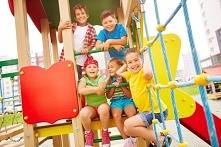 Może się nam wydawać, że rok czy dwa lata różnicy w wieku dziecka to mało. Nic bardziej mylnego. Dzieci w wieku szkolnym mają zupełnie inne potrzeby związane z zabawkami, niż te...