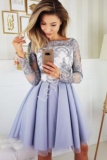 Szara sukienka hiszpanka z koronkową górą i rękawami tiulowymi obszytymi koro...