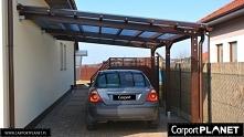 Wiata garażowa drewniana na samochód z drewna bez pozwolenia na budowę, zadaszenie nad samochód z poliwęglanu, wiaty garażowe producent, wiata samochodowa przyścienna projekt P2