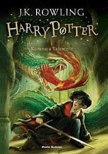 Harry Potter i Komnata Tajemnic  Harry po pełnym przygód roku w Hogwarcie spę...