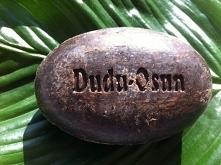 Dudu-Osun, afrykańskie czarne mydło w kostce, powstaje w Nigerii, jest tam popularnym produktem do codziennej pielęgnacji twarzy, ciała i włosów. W Europie cenione jest przede w...