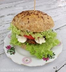 Wegeburgery z kaszy gryczanej z pyszną bułką z mąki pełnoziarnistej :) przepisy na blogu!