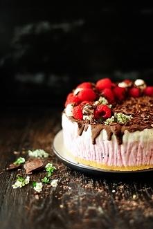 Tort lodowy z malinami i cz...