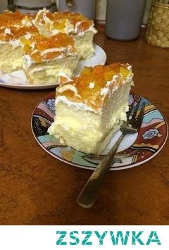 Świetny i prosty przepis na ciasto z brzoskwiniami, idealne na każdą okazję! Przepis po kliknięciu w zdjęcie :)