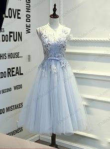 PD16017 długa sukienka z długimi włosami, zakurzoną, niebieską szarą tiulową