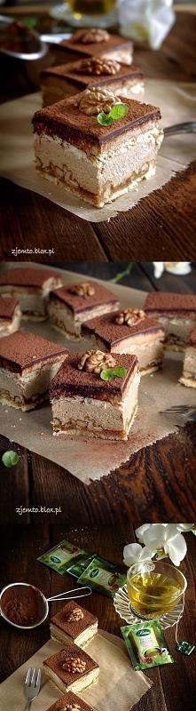 Kostka orzechowa  Składniki: ( na blaszkę 24 x 24 cm )  kruche ciasto      1,...