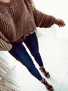 Sweter z frędzelkami