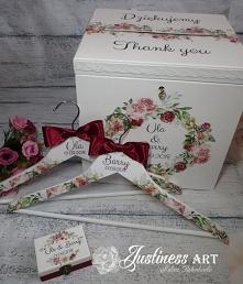 Zestaw ślubny: kufer na koperty, pudełeczko na obrączki i wieszaki