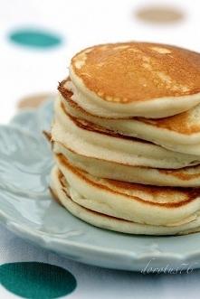 Składniki:  250 g serka ricotta 125 ml mleka 2 duże jajka, osobno białka i żó...