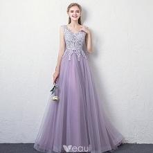 Uroczy Lawenda Sukienki Wieczorowe 2018 Princessa V-Szyja Bez Rękawów Aplikacje Z Koronki Rhinestone Długie Wzburzyć Bez Pleców Sukienki Wizytowe