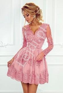 Koronkowa sukienka wieczorowa w wyjątkowym kolorze cukierkowego różu. Sukienk...