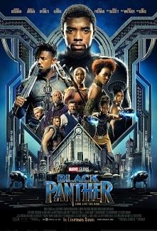Książę T'Challa przywdziewa kostium Czarnej Pantery po tym, jak jego ojc...