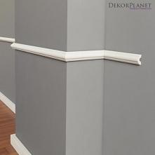 Klasyczna listwa ścienna DLS302 Secundo firmy Dekorplanet to mała sztukateria dekoracyjna, montowana na ścianach jako element dekoracyjny. Model listwy ściennej w kształcie wypu...