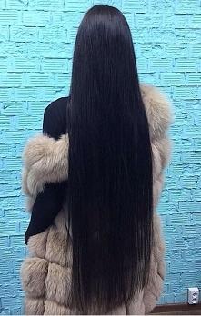 Piękne włosy czy za długie?...