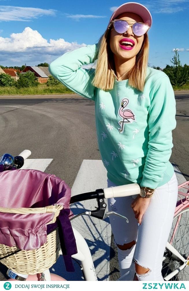 Miętowa damska bluza bez kaptura Palms and Flamingo! Każda kobieta będzie wyglądać w niej egzotycznie.