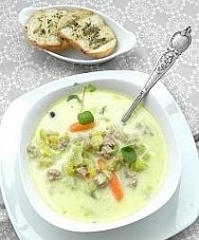 Zupa z porów i mięsa mielonego