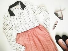 Ile rzeczy powinno znaleźć się w Capsule Wardrobe? Odpowiedź na to pytanie znajdziesz na blogu Minimalistic Girl.