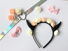 Opaska z rogami i kwiatami <3 bardzo urocza! zwłaszcza w połączeniu z chokerem holo!  więcej na moim vinted: siarczi lub fb: sarenka #pastelgoth